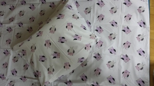 Herlige sengetøy! Fra Barnas Hus. Bursta`gave av fadder/venninne/avlaster Liv Marta med familie <3