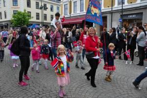 Stolte jenter som her representerer Hortens beste barnehage!