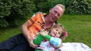 Kosestund med Onkel Henning i sist helgs familiebursta`-hos beste kusine Marthe <3