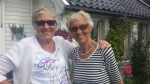 Hvem kan tro at disse spreke damene er snart henholdsvis 80 og 85 år?!