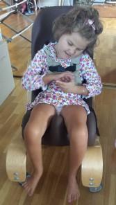 I tomato sitter str. 1, denne har hun hatt siden hun var nesten 2 år