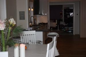 Har vi fått Horten`s lengste hus? Bildet tatt fra nederst i stua og inn mot Emily`s rom.