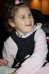 Adams matkasse og Emily og Victoria mars 2015 011