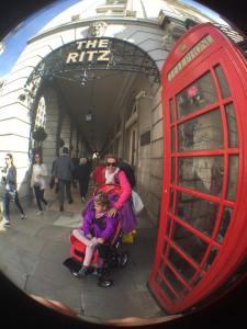 Utenfor Ritz hotellet i London - En dag..